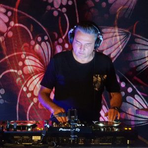 DJ Baltix performing